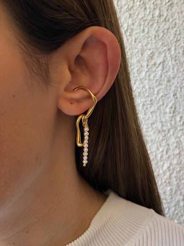 Hola Pearl Ear Cuff